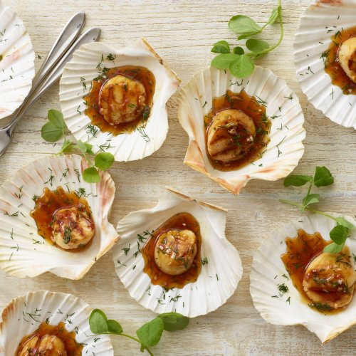 Grilled Scallops With White Wine & Plum Sauce